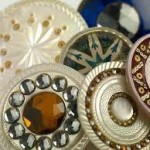 Buttons: A Fashionable History